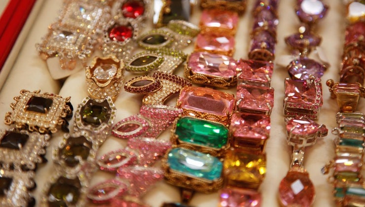 gemstone-traditional-gift-60th-birthday