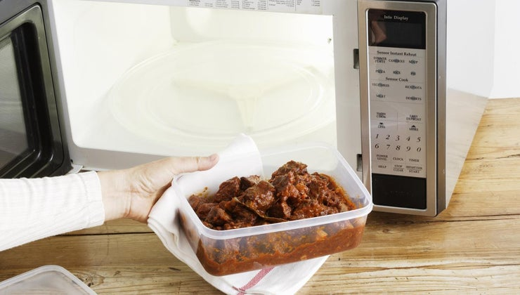 can-put-tupperware-microwave