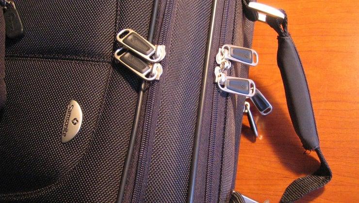 reset-samsonite-luggage-combination-lock