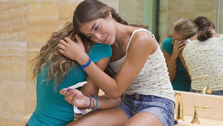teenage-pregnancy-affect-society