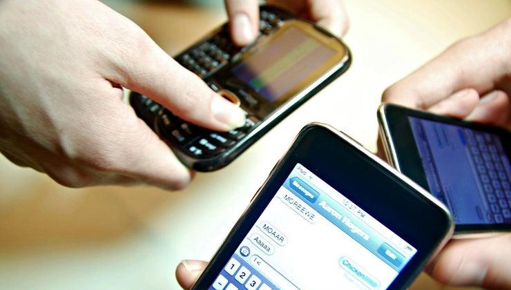 advantages-disadvantages-text-messages