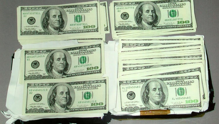 backs-up-currency-united-states-today