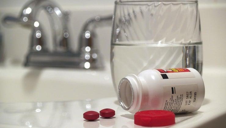 bad-expired-tylenol