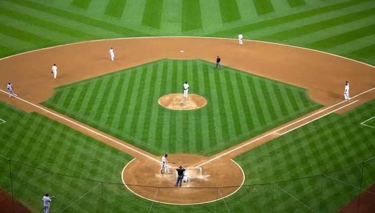 far-apart-bases-baseball-diamond