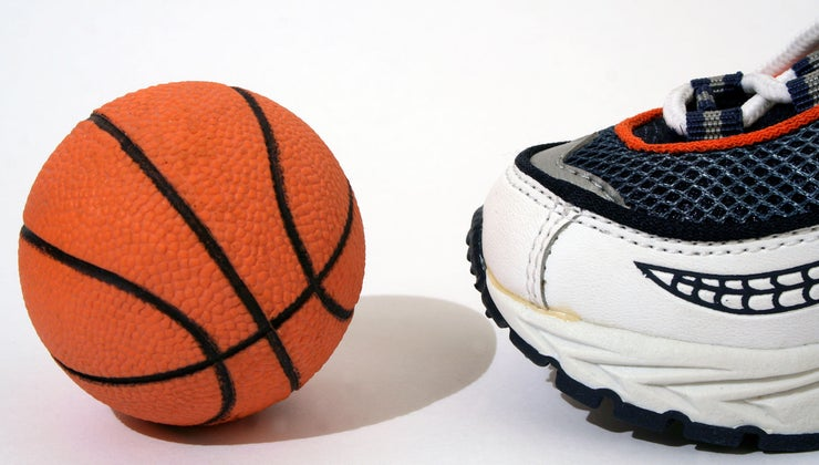 biggest-shoe-size-ever-worn-nba-history