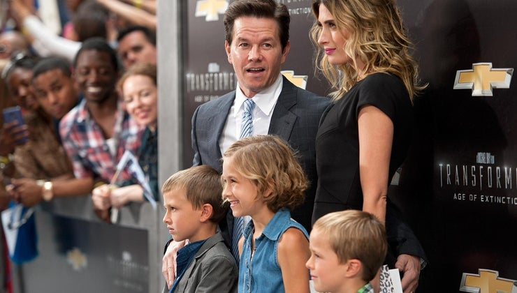 biography-tells-mark-wahlberg-s-family