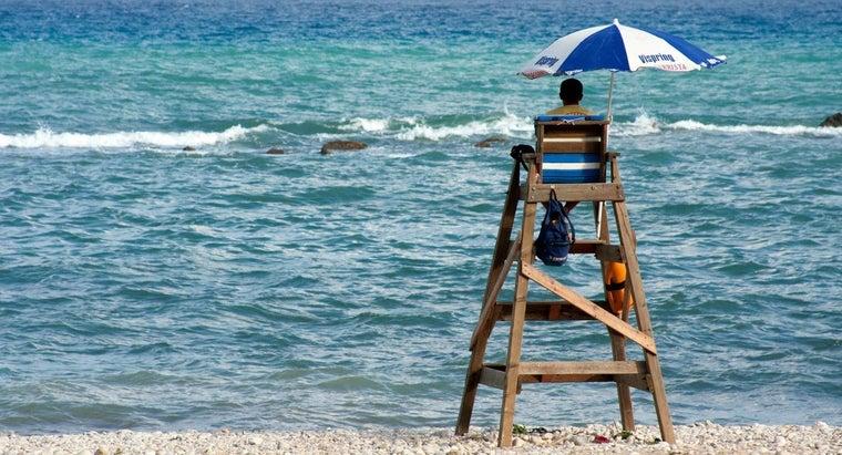 build-lifeguard-stand