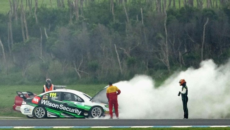 can-cause-car-engine-smoke