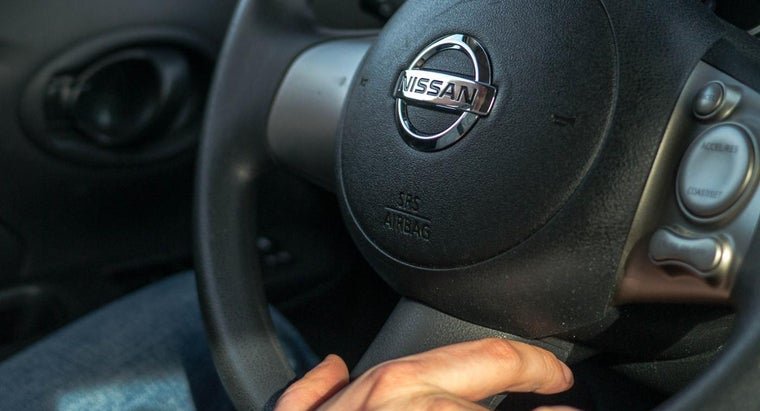 cars-sometimes-squeak-steering-wheel-turned