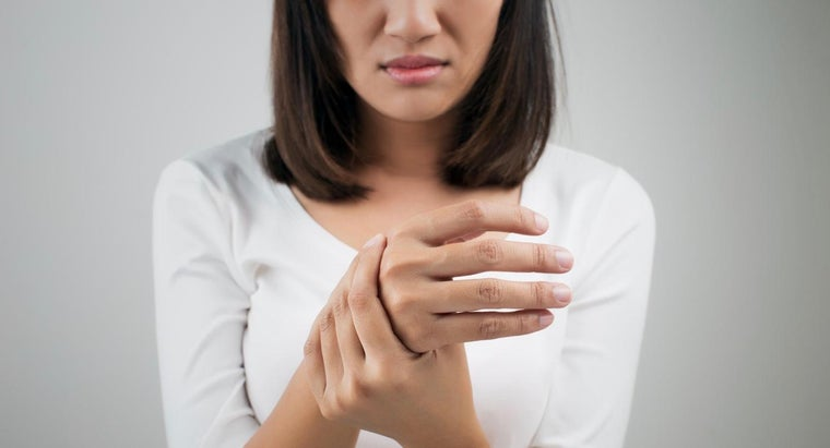 causes-tingling-left-arm-hand