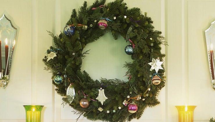 christmas-wreath-symbolize
