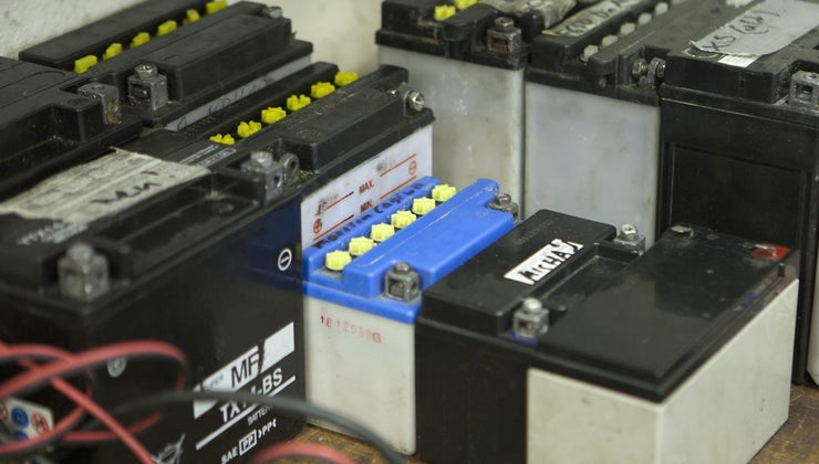 clean-corroded-battery-terminals