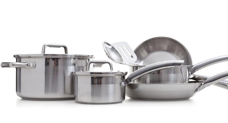 clean-stainless-steel-cookware