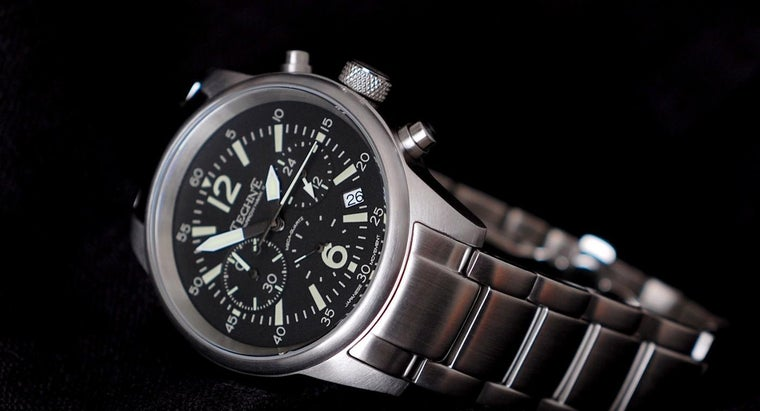 clean-stainless-steel-watch-band