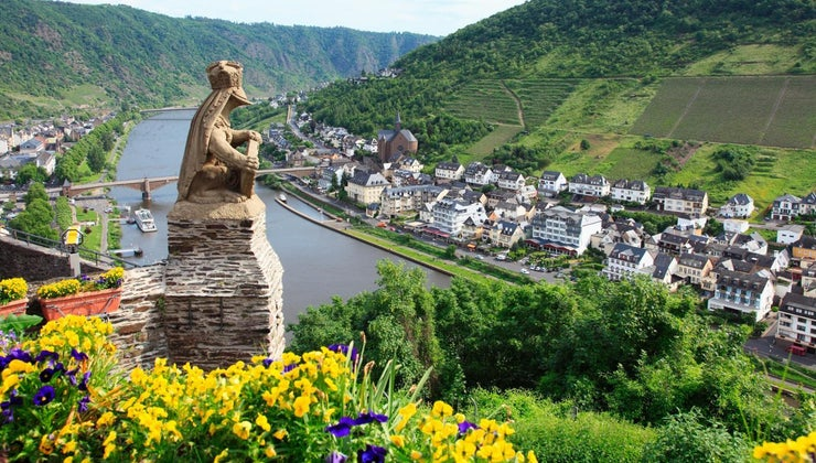 countries-river-rhine-flow-through