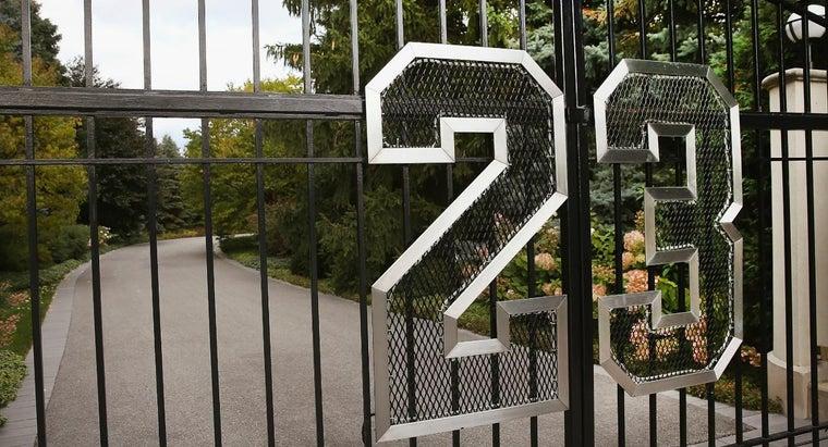 did-michael-jordan-choose-number-23