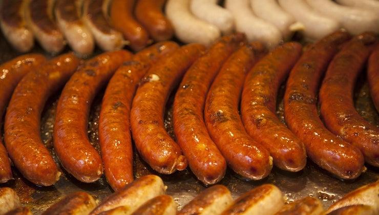 difference-between-bratwurst-knockwurst
