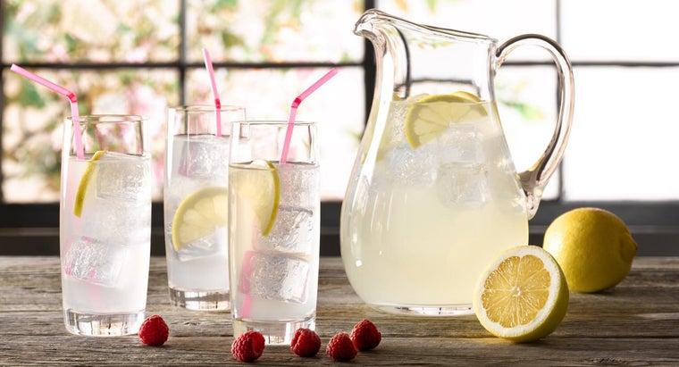 difference-between-pink-regular-lemonade