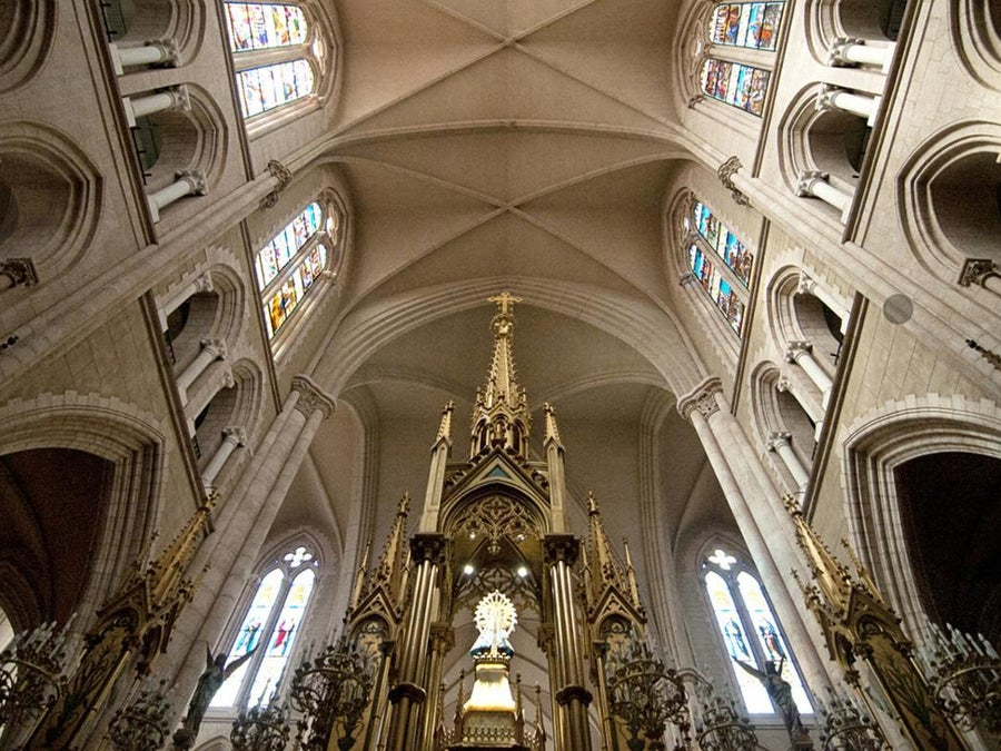 What Is The Difference Between A Vaulted And Cathedral Ceiling