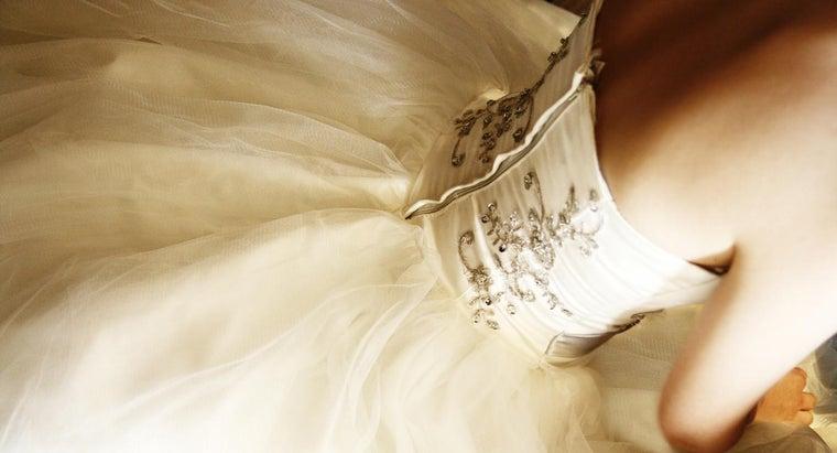 family-bride-pay-wedding