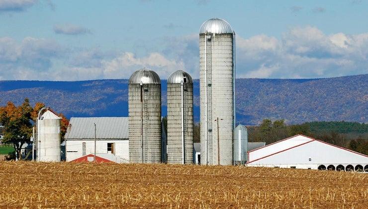 farm-silos-work