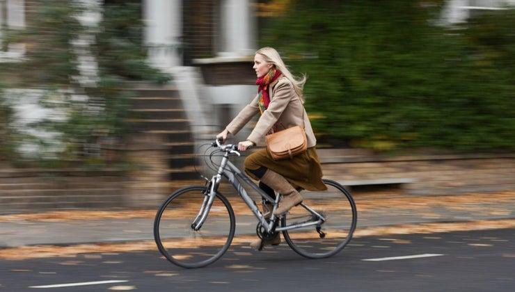 fast-average-person-ride-bike