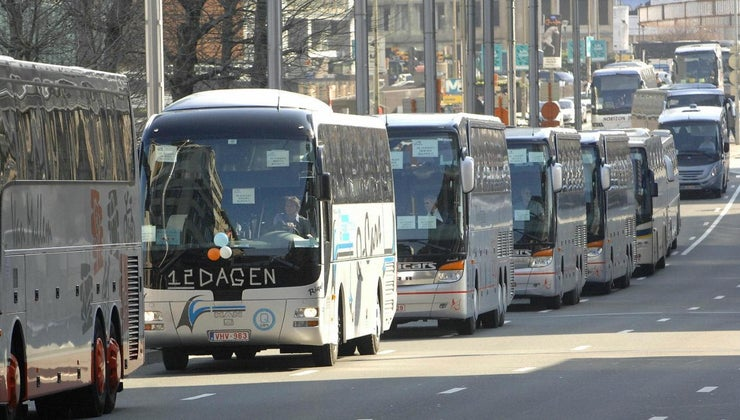 gas-mileage-coach-bus