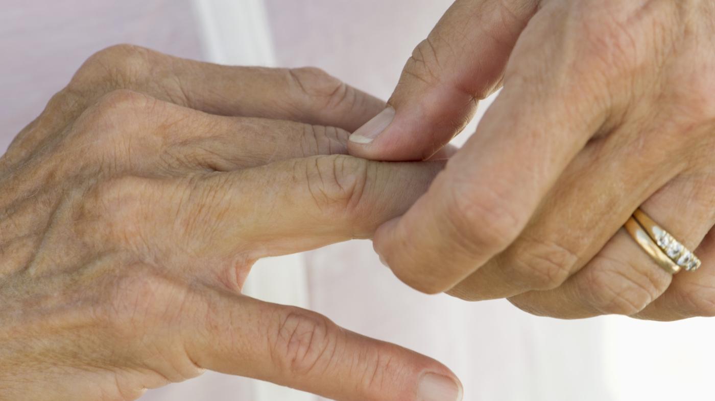 Боль в области правого тазобедренного сустава при ходьбе