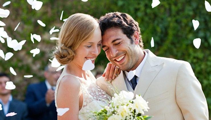 groom-pay-wedding