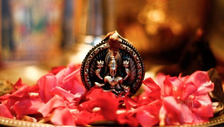 hindus-pray