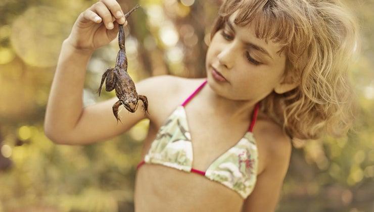 one-tell-frog-boy-girl