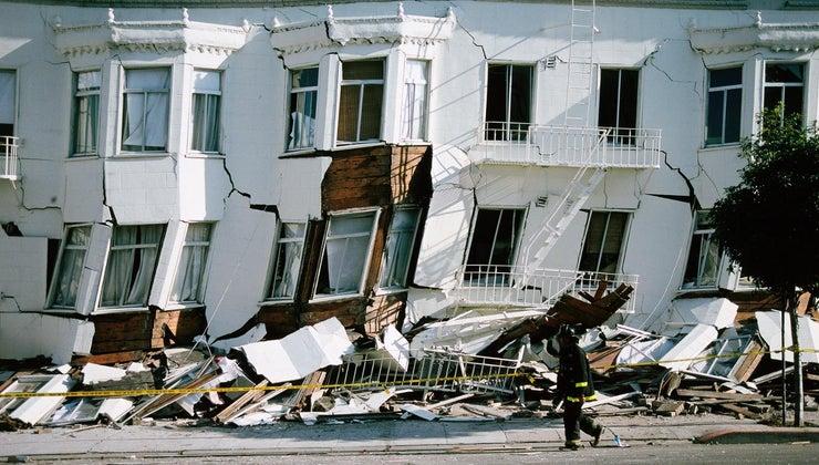 earthquakes-cause-damage