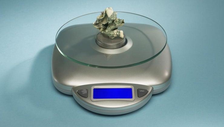 many-grams-dollar-bill-weigh