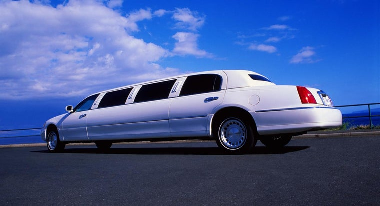 many-people-can-fit-limousine