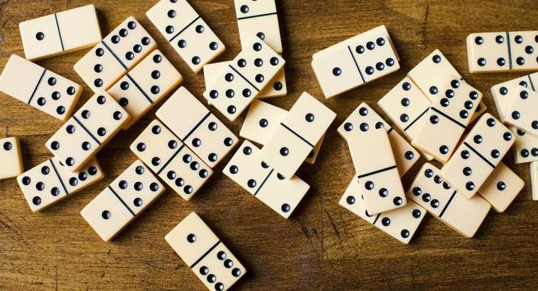 many-pieces-domino-set