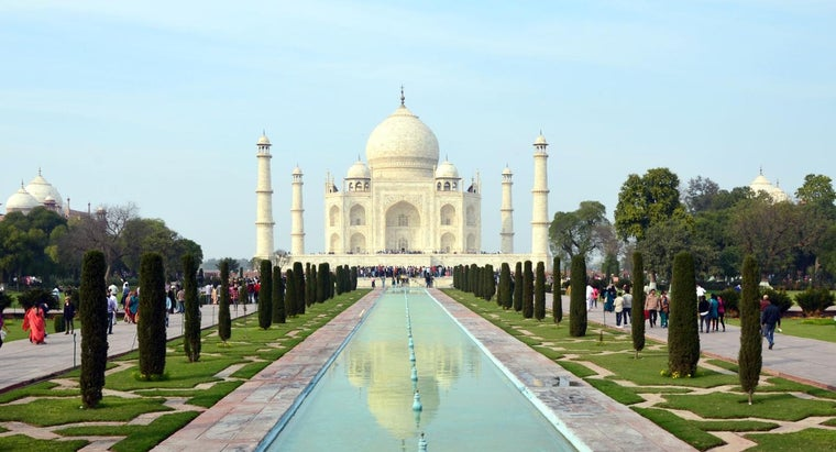 much-money-did-taj-mahal-cost-build