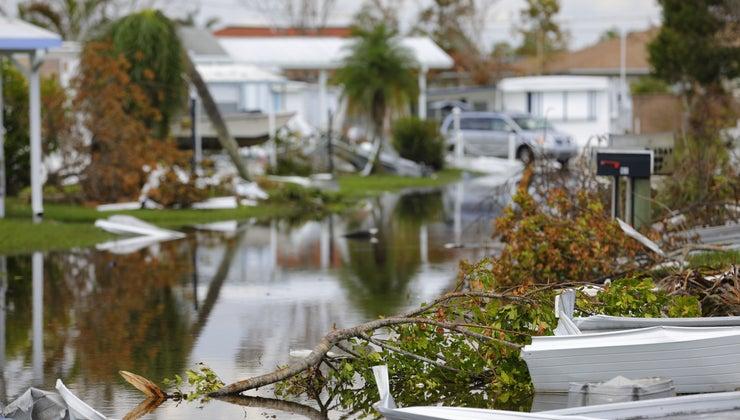 happens-hurricane-hits-land