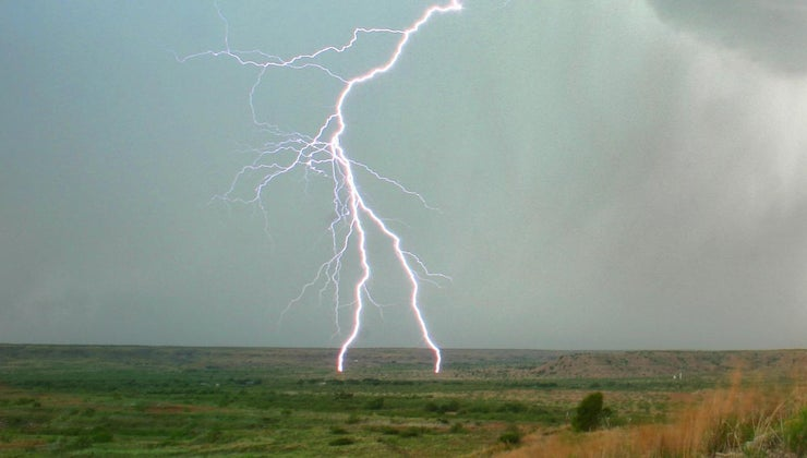 lightning-come-ground
