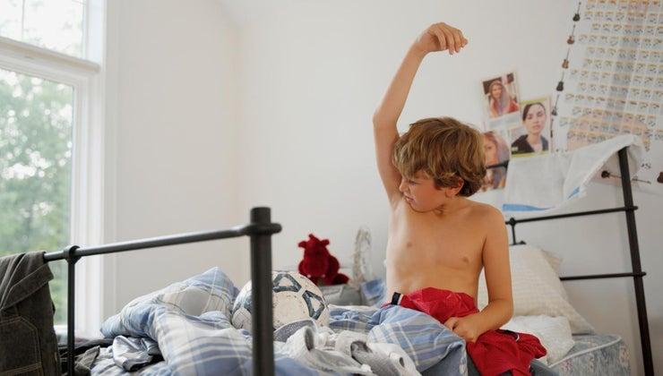 long-armpit-hair-grow-first-time