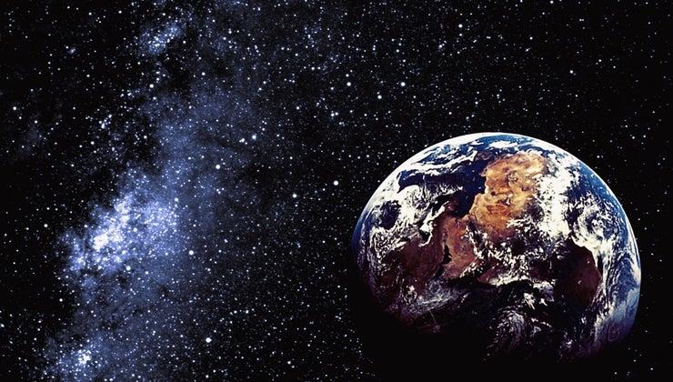 long-earth-make-one-revolution