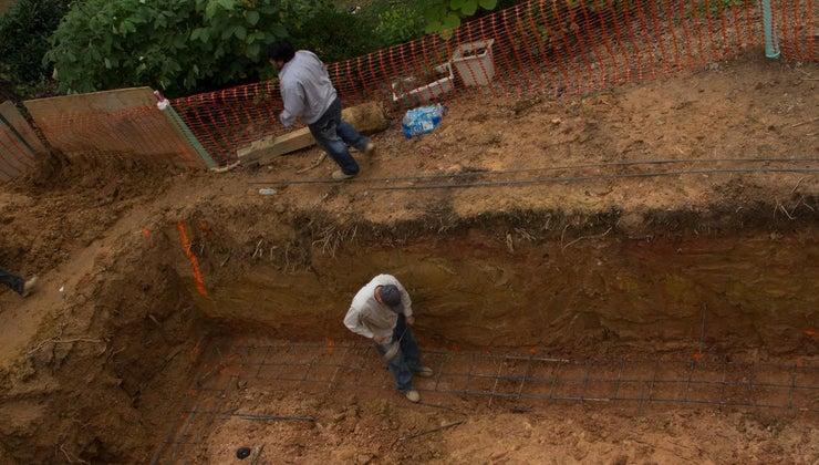 long-ground-dirt-settle-new-construction
