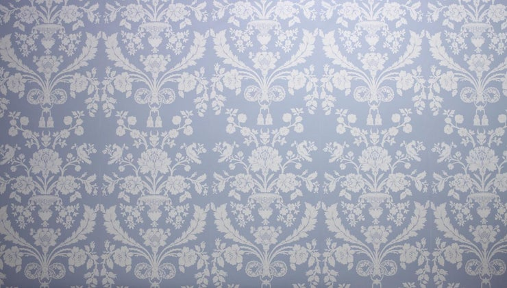 long-should-wait-before-wallpapering-over-fresh-paint