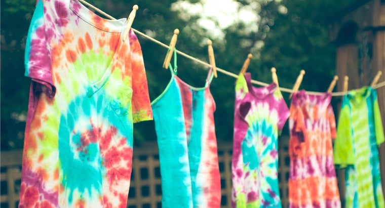 long-tie-dye-shirts-need-dry-before-taking-off-rubber-bands