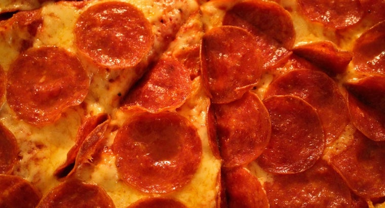 many-calories-slice-pepperoni-pizza
