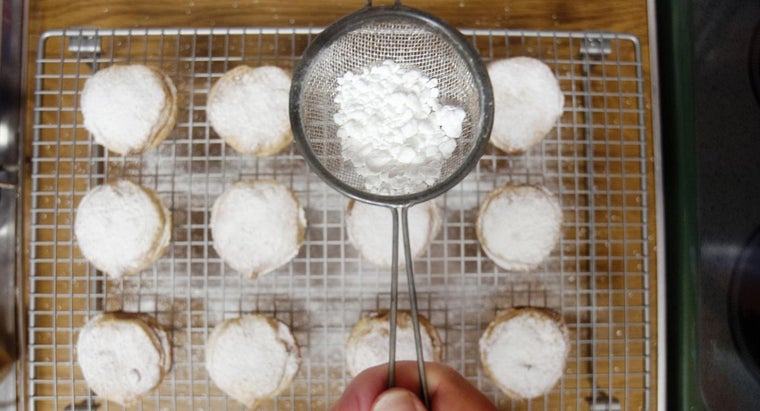 many-cups-box-powdered-sugar