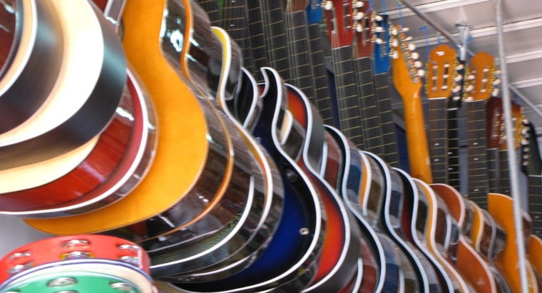 many-guitars-sold-year