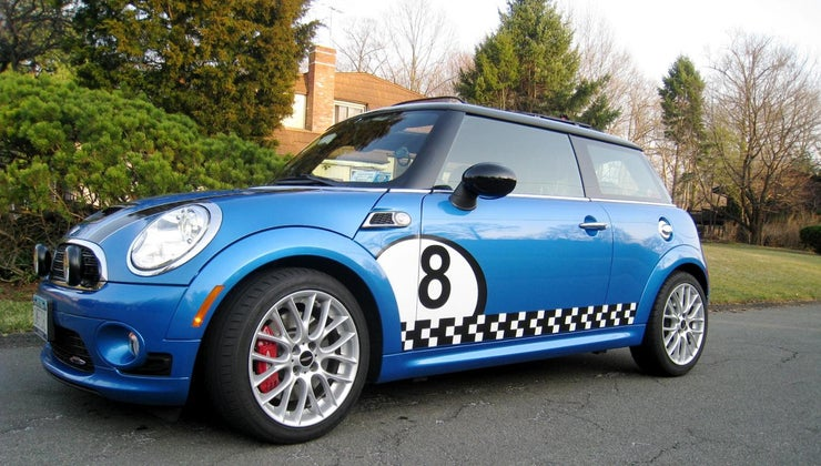 many-people-can-easily-fit-inside-mini-cooper