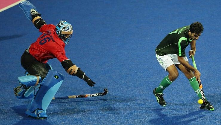 many-players-field-hockey-team