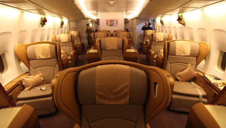 many-seats-standard-747-jumbo-jet
