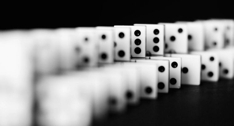 many-spots-standard-set-dominoes